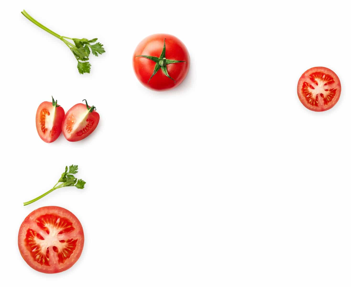 Fresh tomatoes with spices: the most important ingredients of the best bloody mary mix such as Smokin' Mary